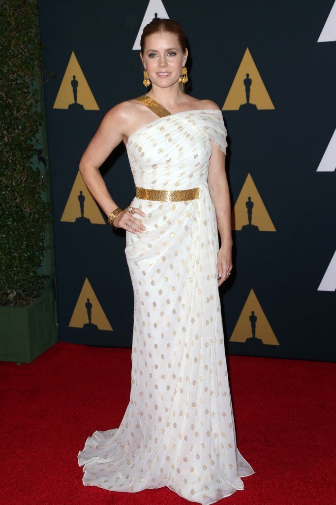 Amy- Adams-in-carolina-herrera-at-the-2016-governors-awards
