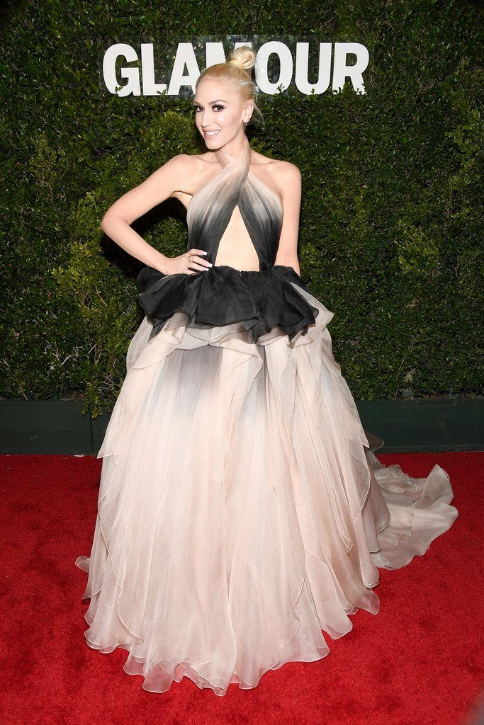 gwen-stefani-in-marchesa-at-glamour-women-of-the-year-2016