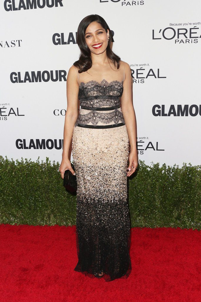 freida-pinto-in-reem-acra-at-glamour-women-of-the-year-2016