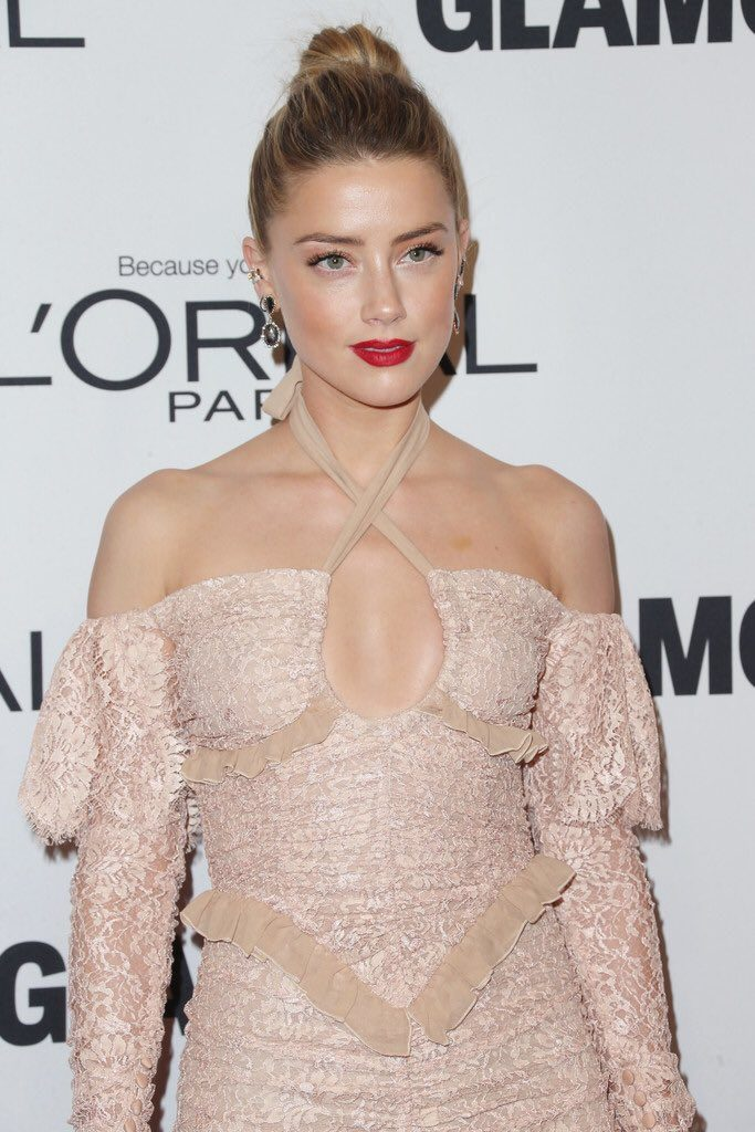 amber-heard-in-alessandra-rich-at-glamour-women-of-the-year-2016