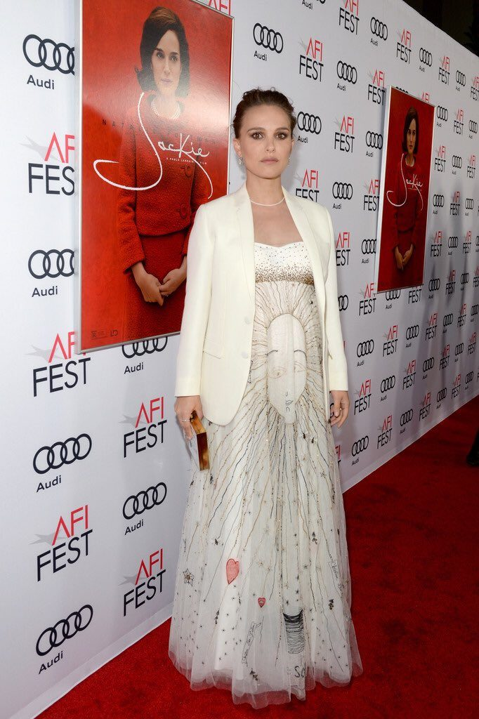 natalie-portman-in-christain-dior-at-afi-fest-jackie-premiere