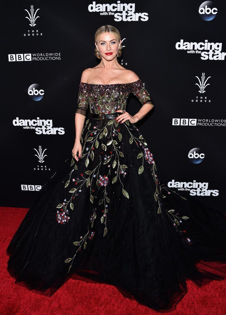 julianne-hough-in-georges-hobeika-at-dancing-with-the-stars-season-23-finale