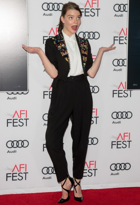 anya-taylor-joy-in-dolce-gabbana-at-afifest-2016-split-movie-premiere