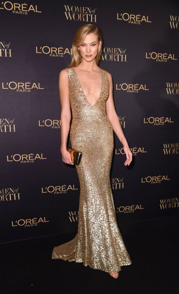 karliekloss-in-michael-kors-at-loreal-paris-women-of-worth-awards