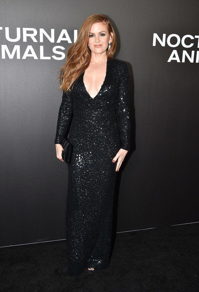 isla-fisher-in-tom-ford-at-the-nocturnal-animals-new-york-premiere