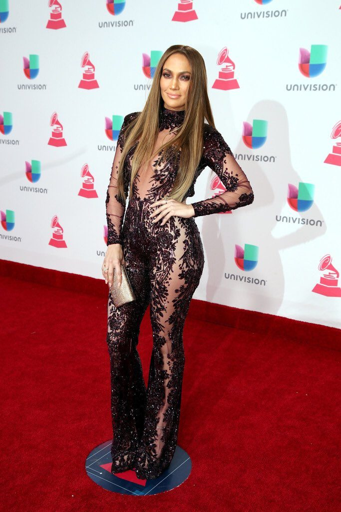 jennifer-lopez-in-zuhair-murad-at-the-latin-grammy-awards-in-las-vegas