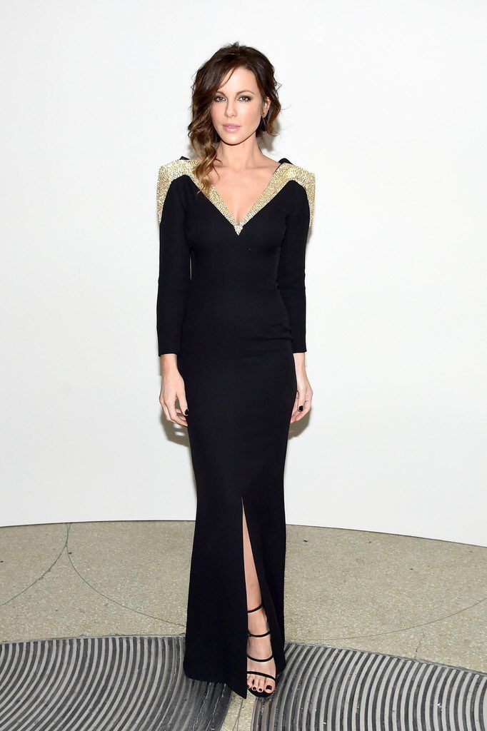 kate-beckinsale-in-dior-at-2016-guggenheim-international-gala-made-possible-by-dior