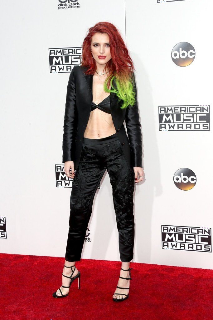 Bella -Thorne-2016-american-music-awards-redcarpet
