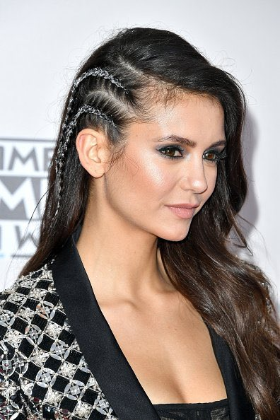 nina-dobrev-in-zuhair-murad-at-the-2016-american-music-awards