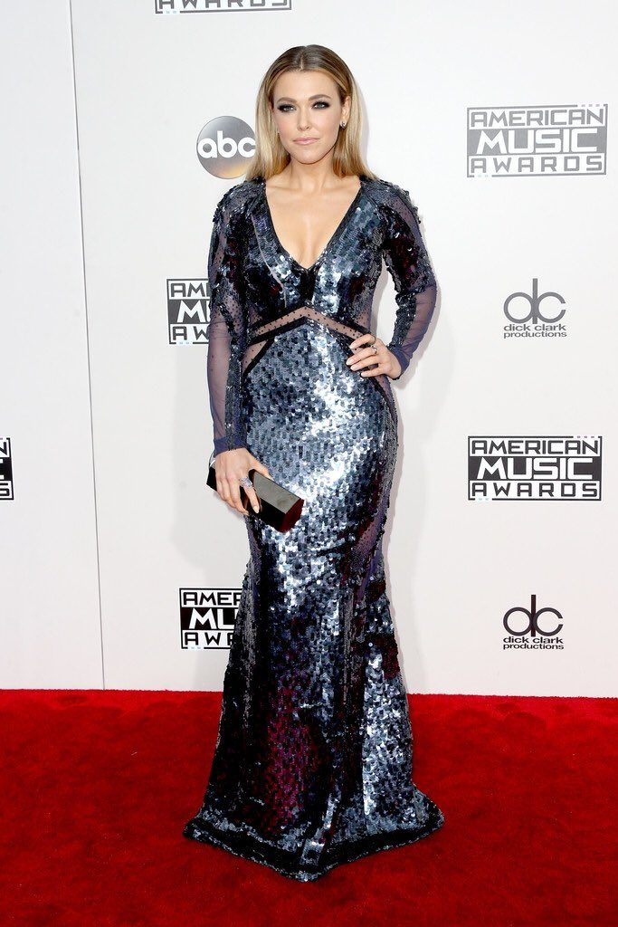 rachel- Platten-2016-american-music-awards-redcarpet