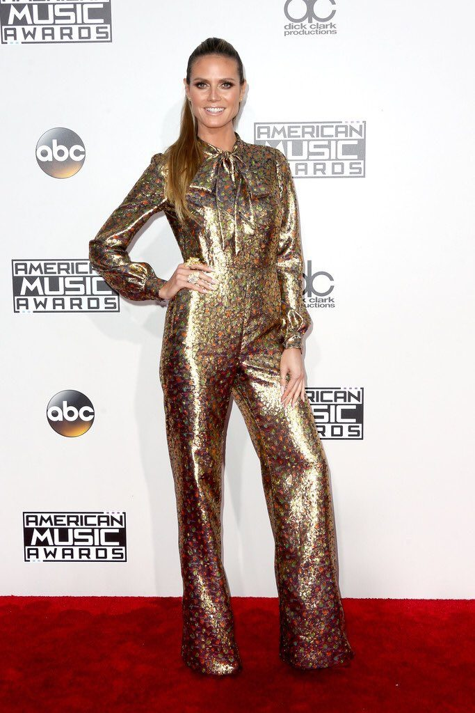 Heidi- Klum -2016-american-music-awards-redcarpet