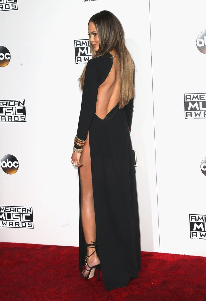 chrissy-teigen-in-yousef-akbar-at-the-2016-american-music-awards