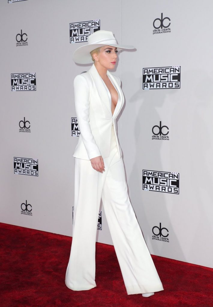 lady-gaga-in-brandon-maxwell-at-the-2016-american-music-awards