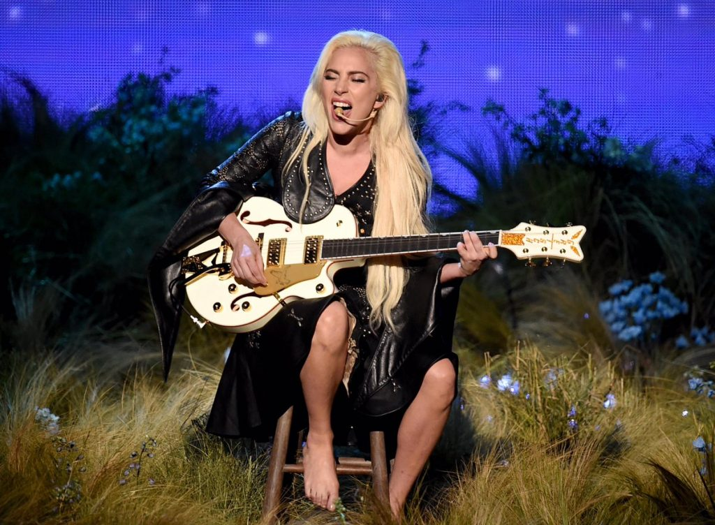 lady-gaga-in-rodarte-performing-at-the-2016-american-music-awards