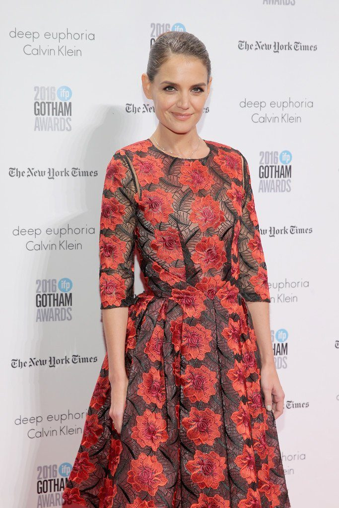 katie-holmes-in-zac-posen-at-the-2016-ifp-gotham-independent-film-awards