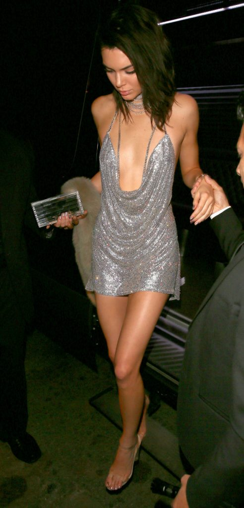 every-outfit-kendall-jenner-wore-for-her-big-21st-birthday-bash-1963209-1478186159-640x0c