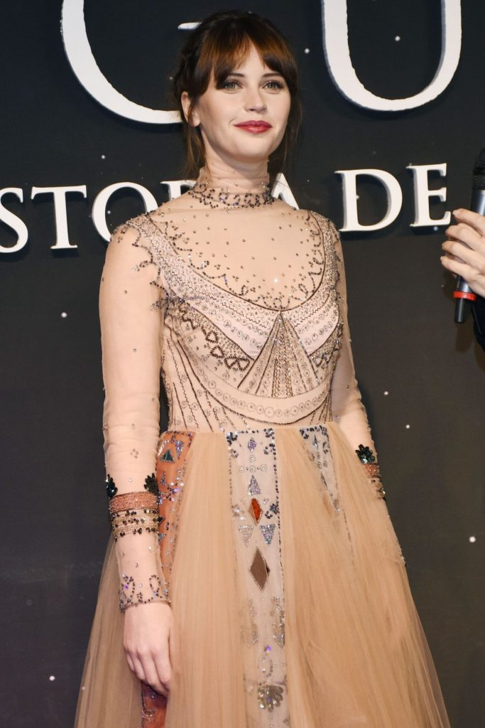 felicity-jones-at-rogue-one-a-star-wars-story-fan-event-in-mexico-city-11-22-2016_1