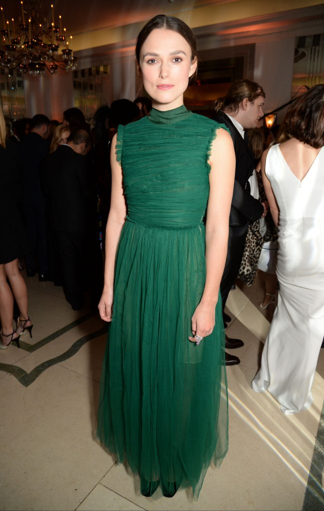 keira-knightley-harpers-bazaar-women-of-the-year-awards-in-london-103116-3