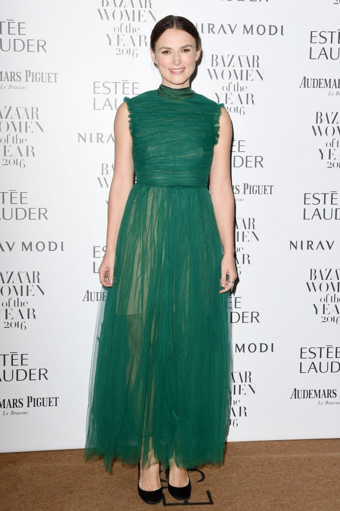 keira-knightley-harpers-bazaar-women-of-the-year-awards-in-london-103116-7