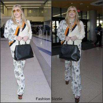 kesha-in-stella-mccartney-at-lax-airport-in-los-angeles-1024×1024