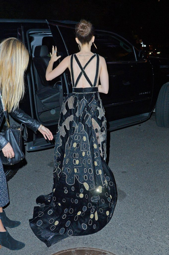 lily-collins-at-museum-of-the-moving-image-30th-annual-salute-in-nyc_7
