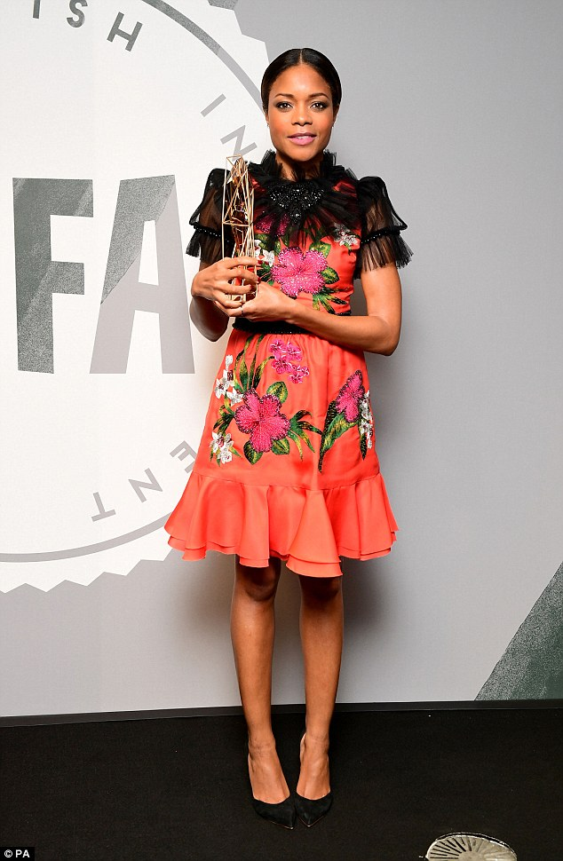 naomie-campbell-in-gucci-at-2016-british-independent-film-awards