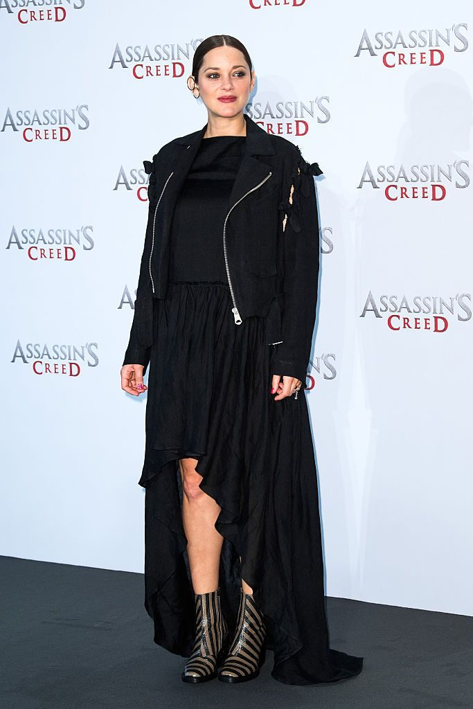 marion-cotillard-in-martin-grant-at-assassins-creed-berlin-photocall