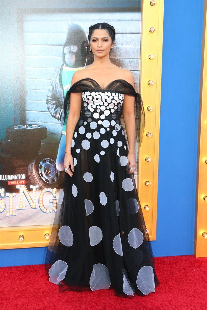 camila-alves-in-yanina-couture-at-sing-la-premiere
