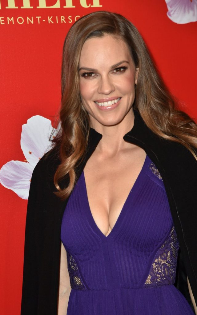 hilary-swank-in-elie-saab-at-the-mon-cheri-barbara-tag-charity-event-in-germany