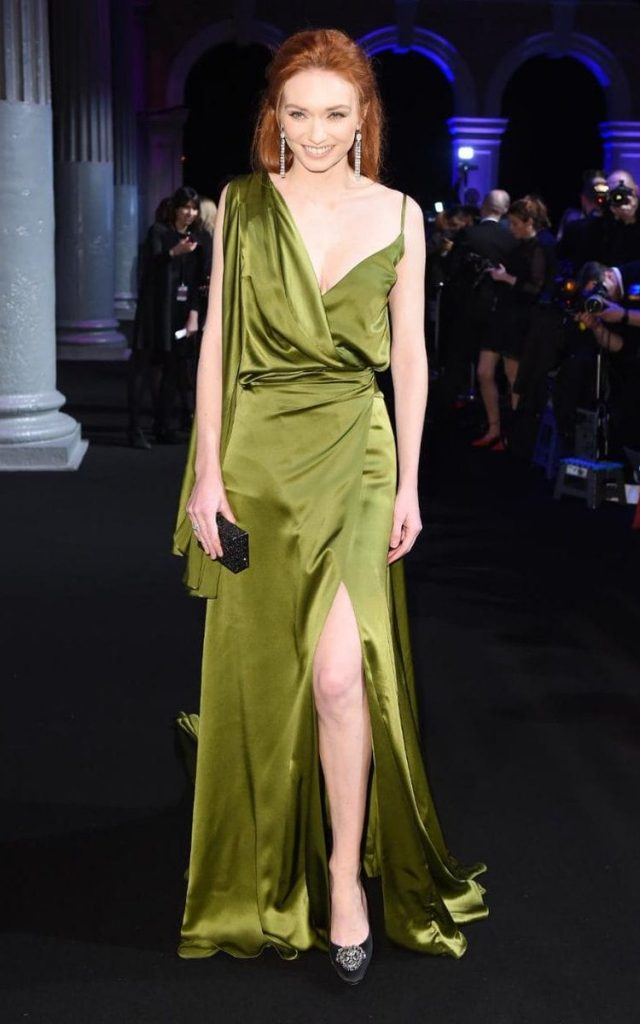 eleanor-tomlinson-in-ong-oaj-pairam-at-the-2016-british-independent-film-awards