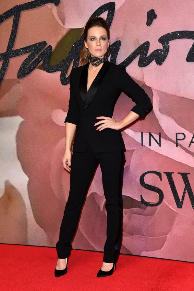 fashionawards2016redcarpetarrivals-kate-beckinsale-666x1000