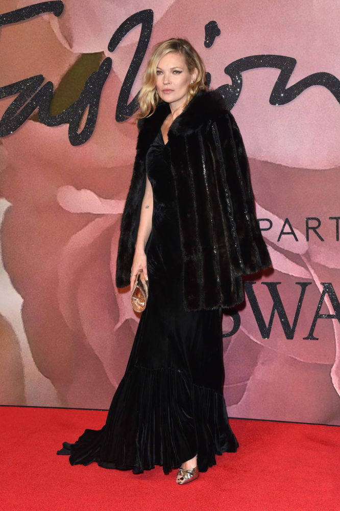 fashionawards2016redcarpetarrivals-kate-moss-666x1000