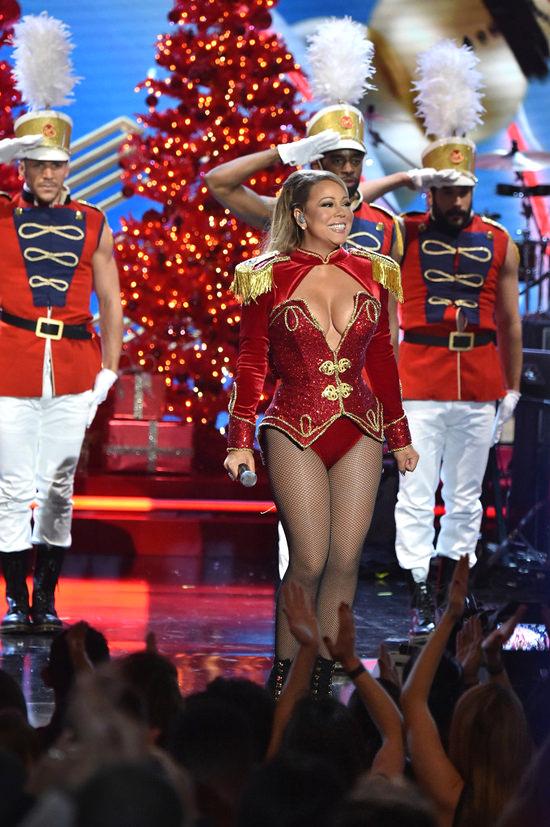 mariah-carey-2016-vh1-divas-holiday-unsilent-night-fashion-michael-costello-