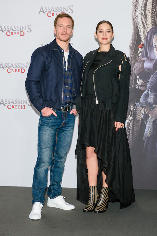 michael-fassbender-marion-cotillard-assassins-creed-berlin-photocall