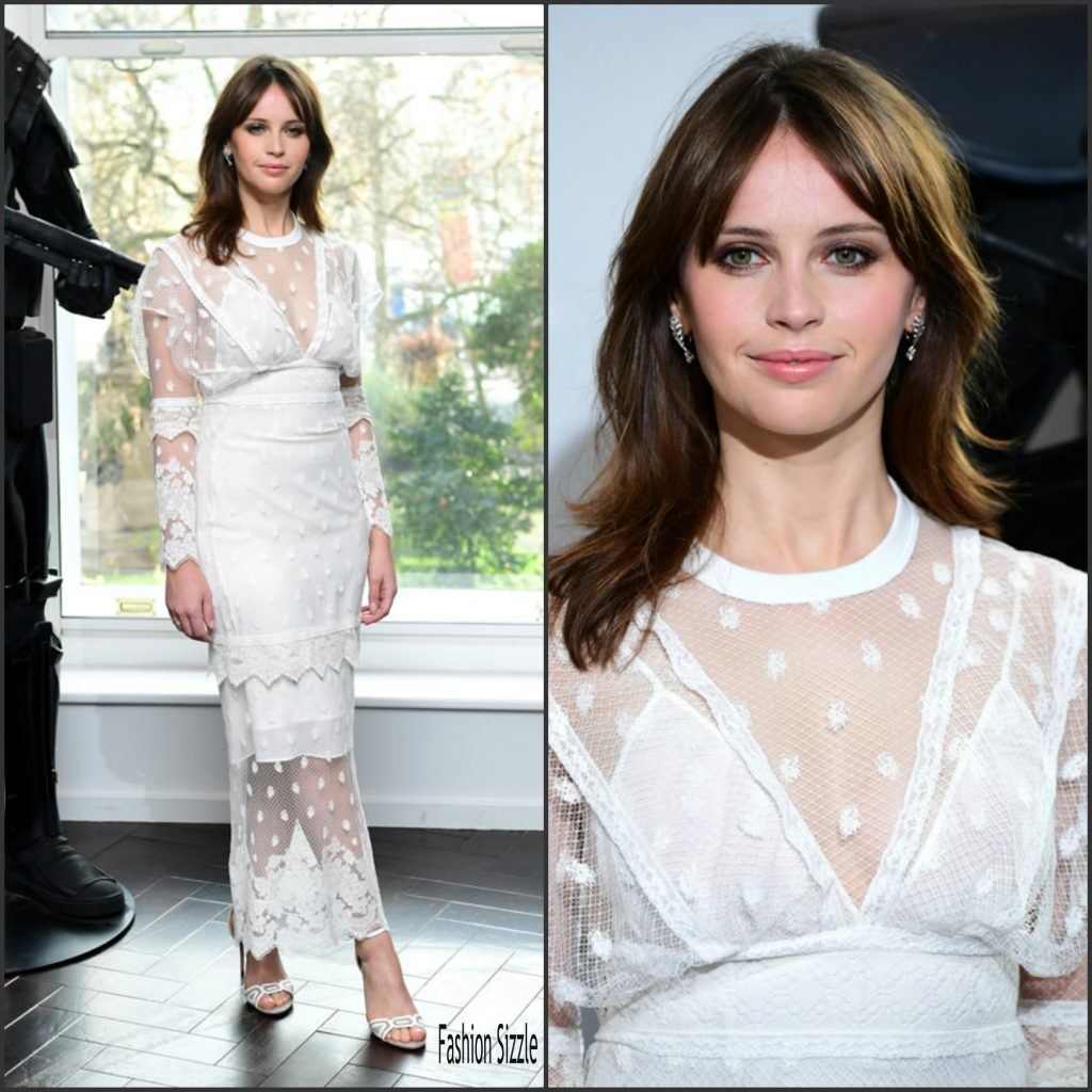 felicity-jones-in-burberry-at-the-rogue-one-a-star-wars-story-london-photocall-1024×1024