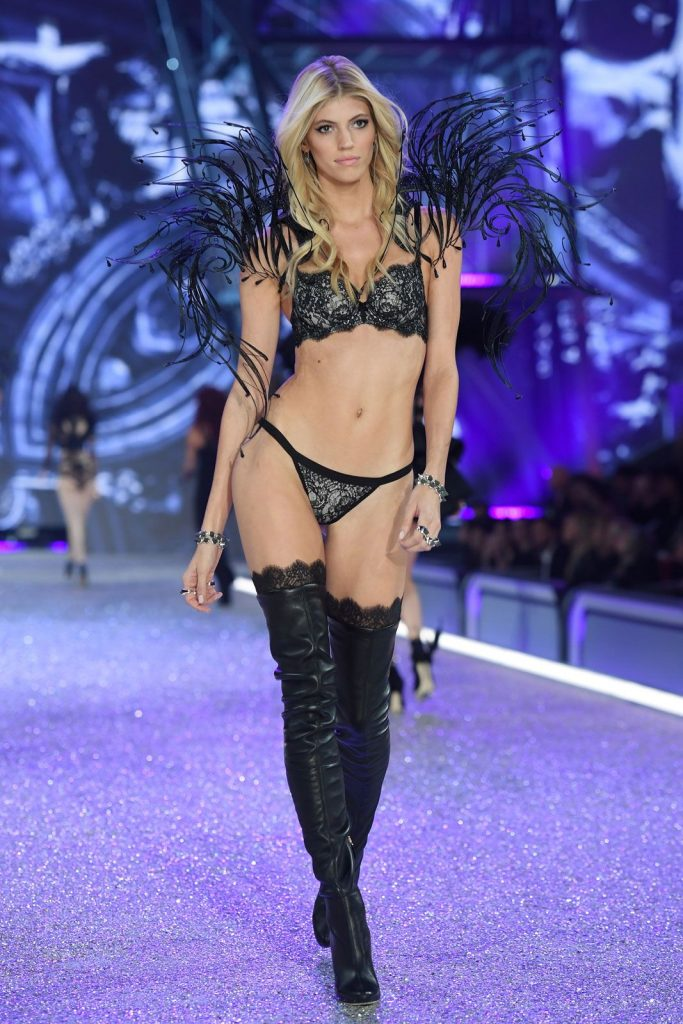 Devon =Windsor-2016-victoria-secret-fashion-show