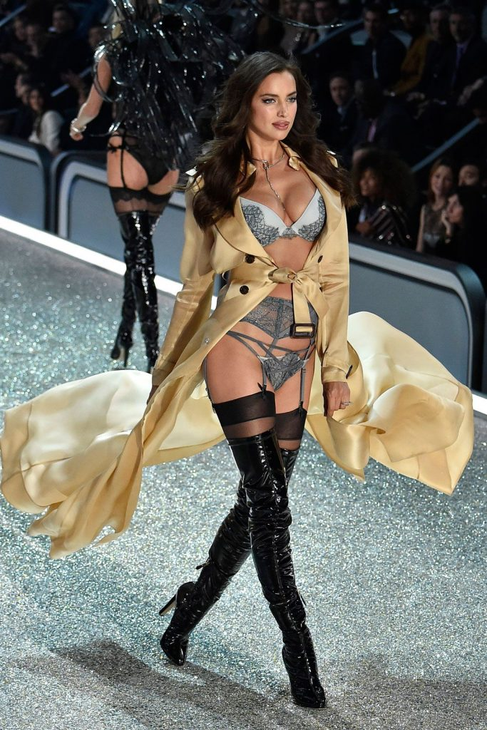 Irina -Shayk-2016-victoria-secret-fashion-show