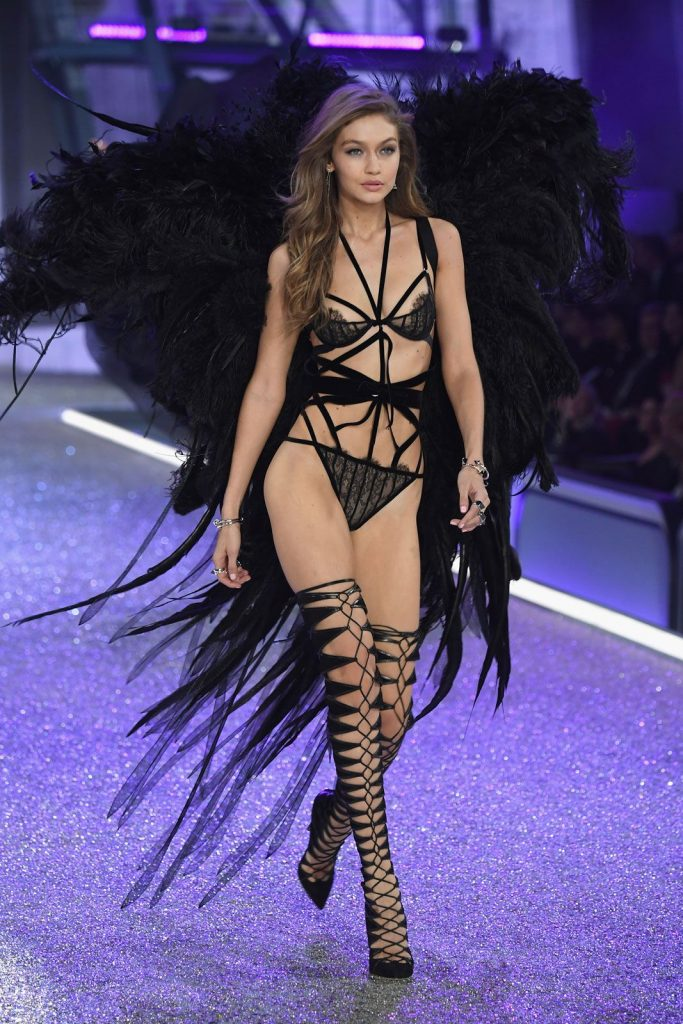 gigi-hadid-2016-victoria-secret-fashion-show