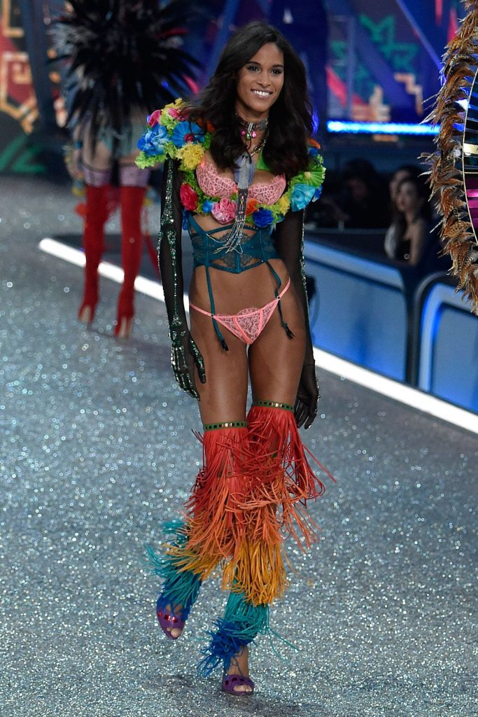 Cindy- Bruna-2016-victoria-secret-fashion-show