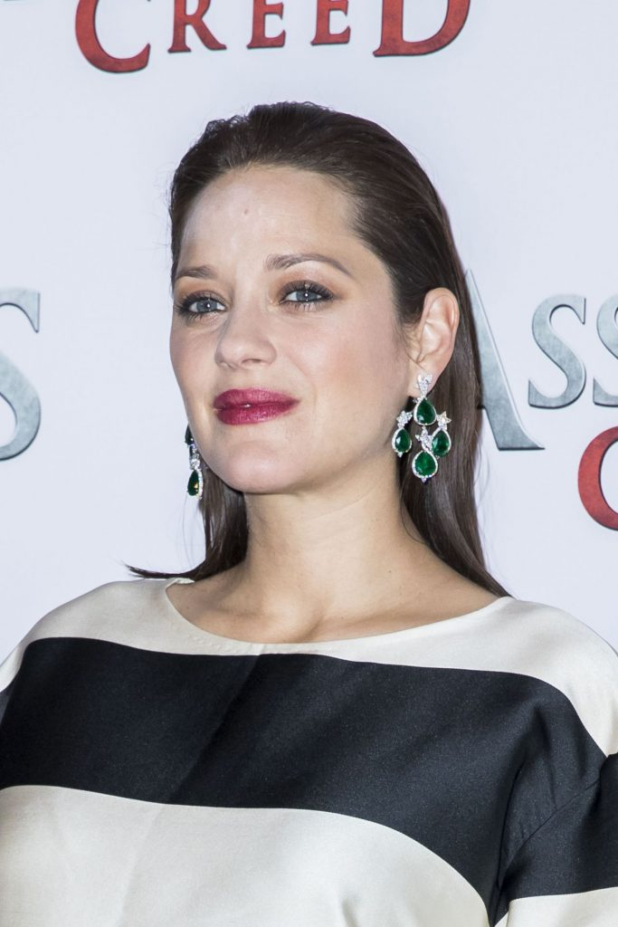 marion-cotillard-assassin-s-creed-photocall-in-paris-12-5-2016-1