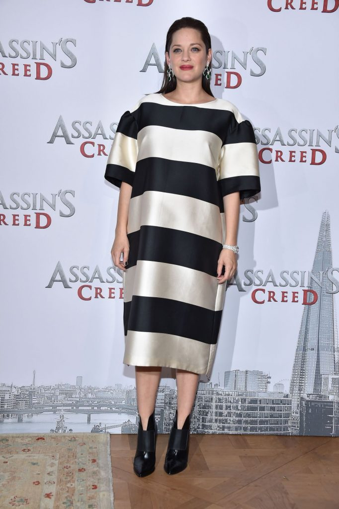 marion-cotillard-assassin-s-creed-photocall-in-paris-12-5-2016-2