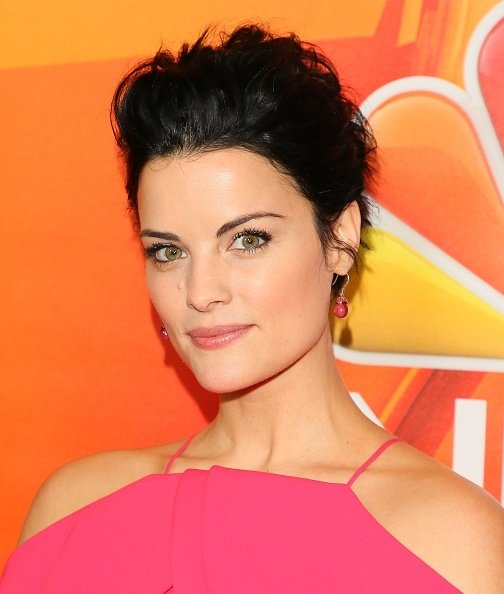 Home Tour Christian Siriano S Connecticut Home: Jaimie Alexander In Christian Siriano At The NBCUniversal