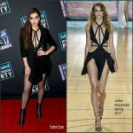 Hailee Steinfeld  In Julien Macdonald   performing on Dick Clark's New Year