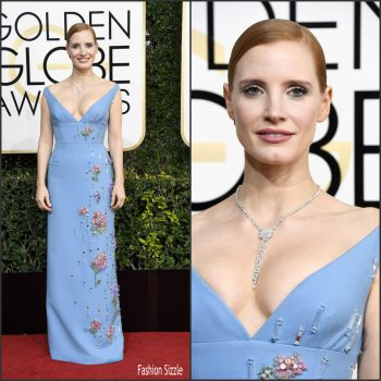 jessica-chastain-in-prada-at-the2017-golden-globe-awards