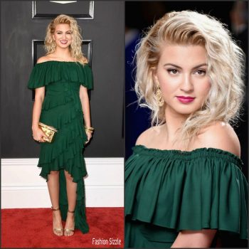 tori-kelly-in-badgley-mischka-2017-grammy-awards-700×700