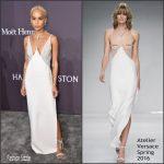 Zoë Kravitz  In Atelier Versace  – 2017 amfAR New York Gala