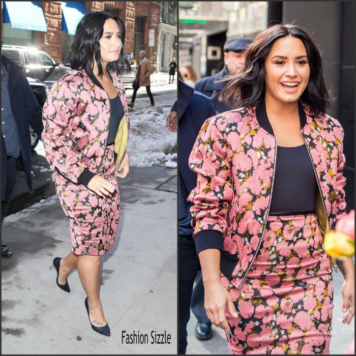 demi-lovato-in-dries-van-noten-smurfs-the-lost-village-promo-tour-700×700