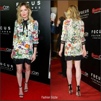 kristen-dunst-in-gucci-at-cinemacon-2017-700×700