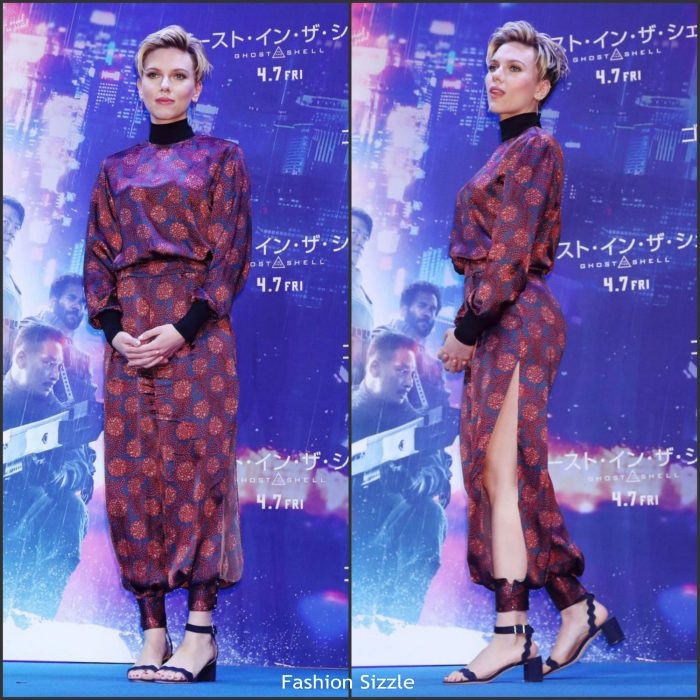 scarlett-johansson-in-haney-ghost-in-theshell-tokyo-press-conference-700×700