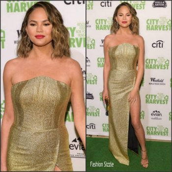 chrissy-teigen-in-angelys-balek-city-harvets-23rd-annual-evening-of-practical-magic-700×700